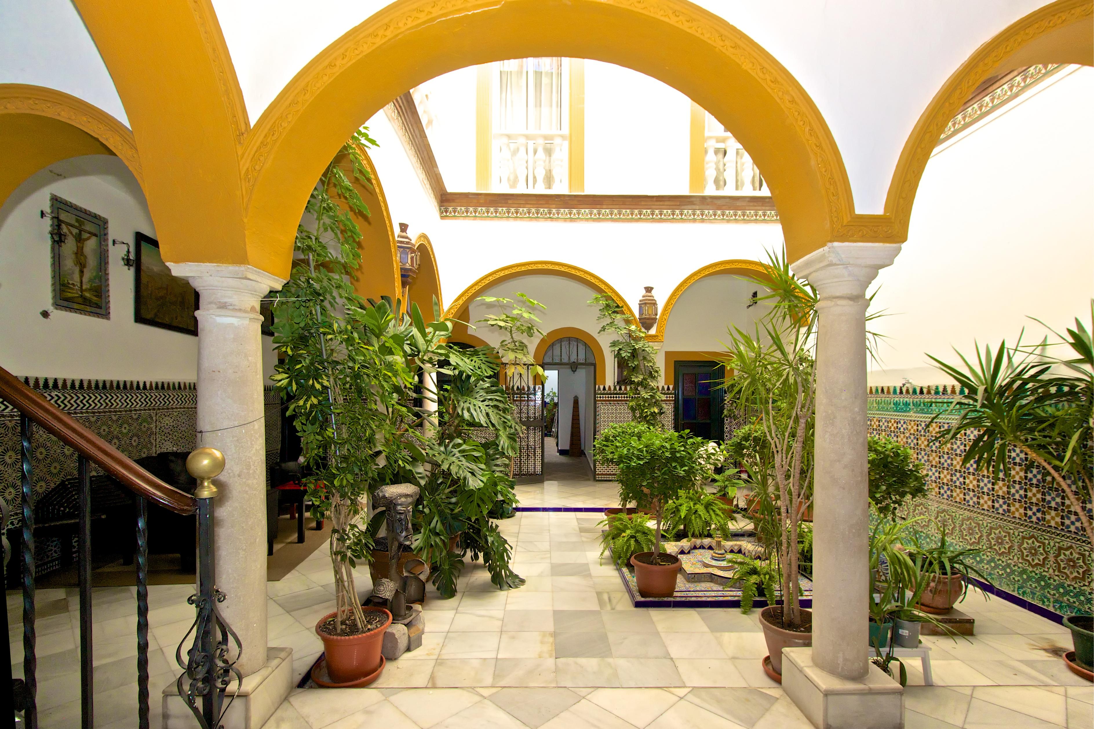 Casa palacio andaluza con arte y historia c ntrica y for Casa andaluza